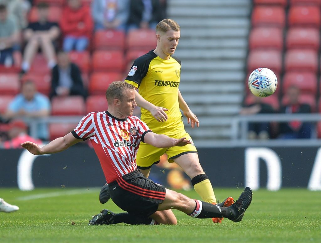 Lee Cattermole could return as Sunderland attempt to rekindle their League One promotion drive when Accrington arrive at the Stadium of Light on Friday night.