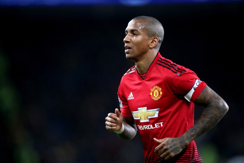 Ashley Young has signed a new one-year contract with Manchester United that will take him into his ninth year at the club.