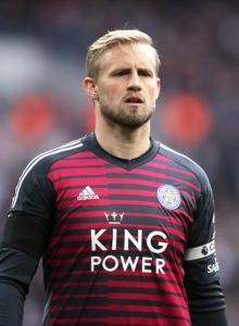 Leicester boss Claude Puel has held clear-the-air talks with Kasper Schmeichel after father, Peter, claimed he wanted to quit the club.