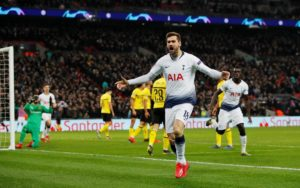 Tottenham striker Fernando Llorente insists he never considered leaving the club and he is happy despite the competition for places.