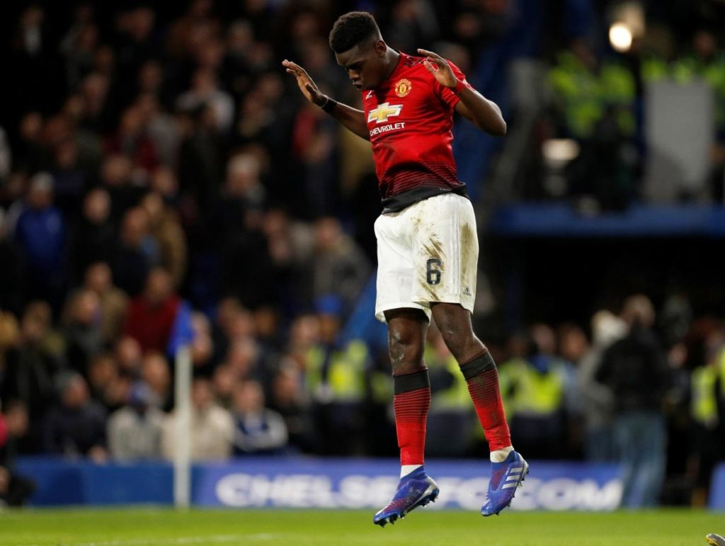 Manchester United dumped holders Chelsea out of the FA Cup with an impressive 2-0 fifth-round win at Stamford Bridge.