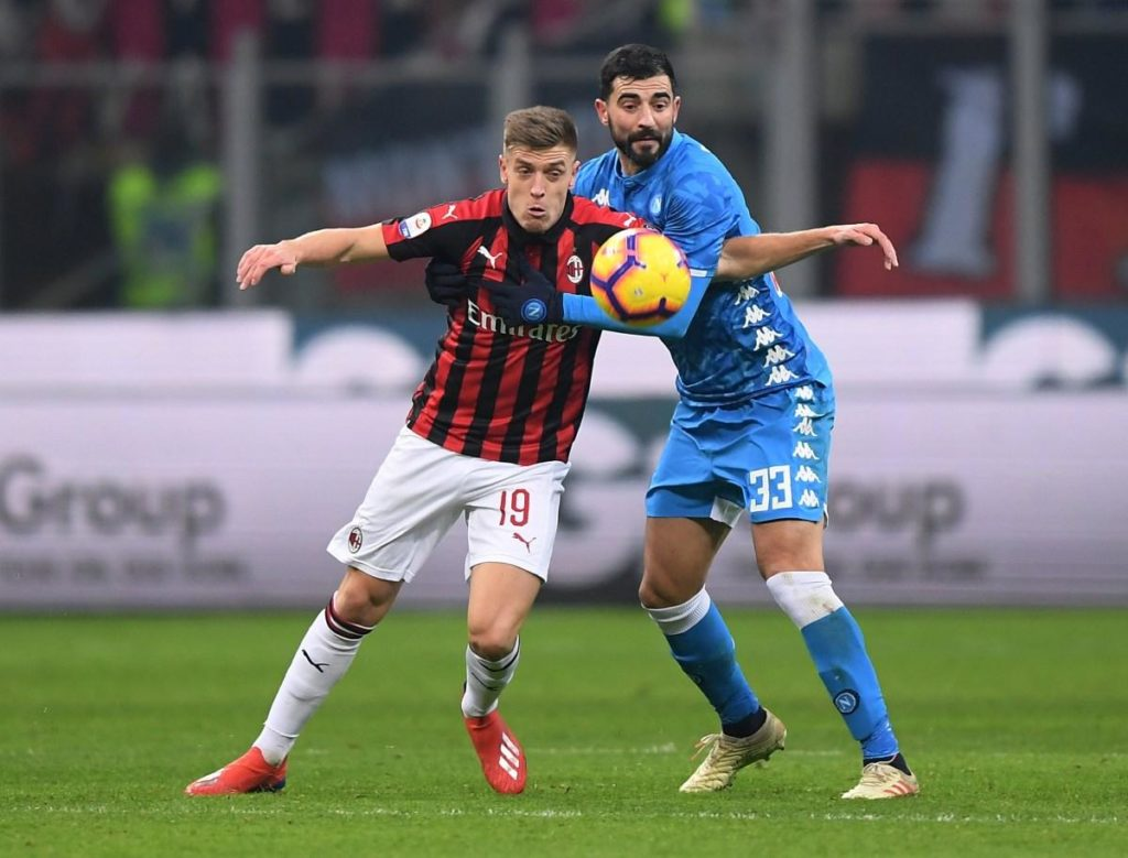 AC Milan striker Krzysztof Piatek hopes he can help the club get back to challenging for titles.