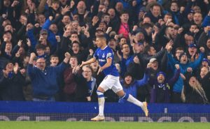 Goals from Richarlison and Gylfi Sigurdsson ensured Everton picked up the three points with a 2-0 win over Chelsea on Sunday.