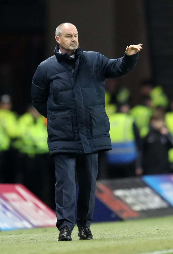 Steve Clarke hopes there will be no repeat of the abuse he received from Rangers fans at Ibrox last month when his Kilmarnock side return to Govan on Saturday.