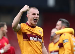 Motherwell's Liam Grimshaw has signed on for next season at Fir Park.
