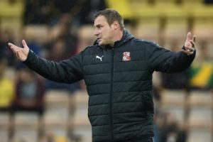 David Flitcroft thinks Mansfield let themselves down after a 2-1 home defeat by Crewe saw them drop out of the top three promotion places.