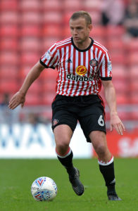 Lee Cattermole and George Honeyman were on target as Sunderland kept up their pursuit of automatic promotion from League One with a 2-0 win over Plymouth.