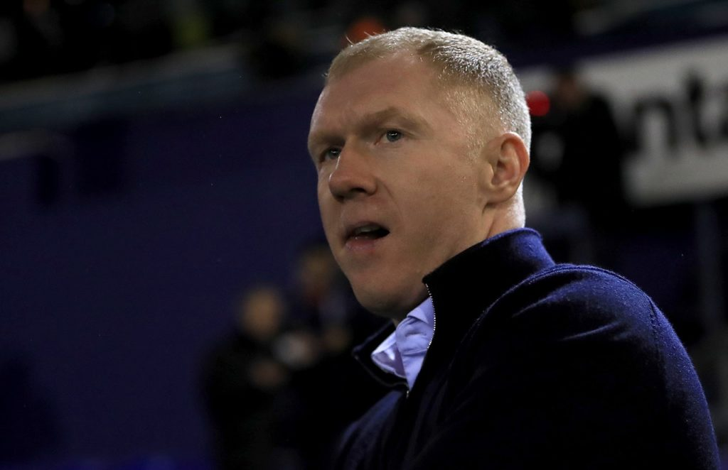Former Manchester United midfielder Paul Scholes has left his role as Oldham manager after just 31 days over claims of broken promises.