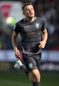 Sheffield Wednesday will check on defenders Morgan Fox and Jordan Thorniley ahead of Monday's derby clash with Sheffield United.