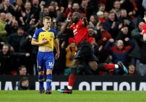 Romelu Lukaku's late goal fired Manchester United back into the Premier League's top four with a 3-2 win against Southampton.