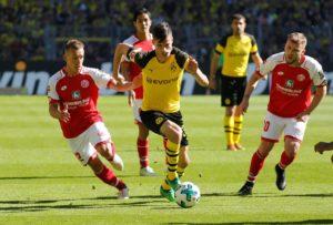 Paris Saint-Germain will push hard to land Julian Weigl from Borussia Dortmund this summer as they look to overhaul their midfield