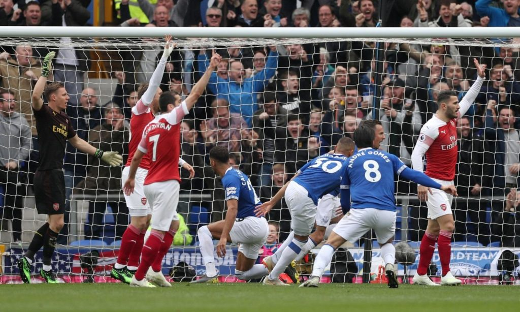 Phil Jagielka earned a late nod to start for Everton and scored an early goal as the home side bettered Arsenal.