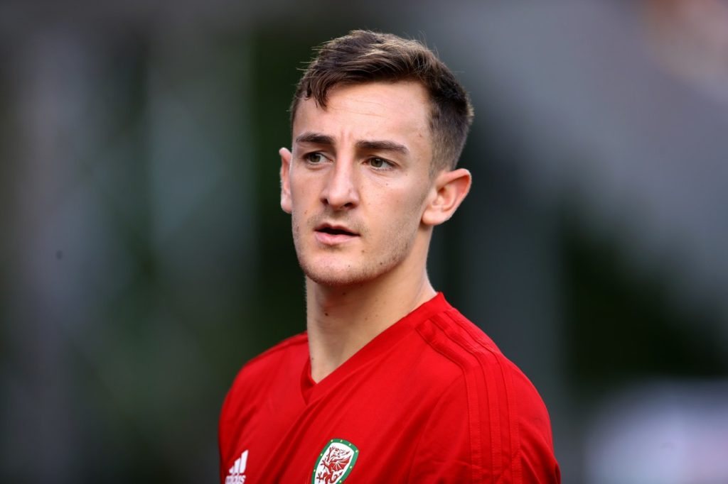 Hull City face a battle to sign Oldham defender George Edmundson but could land Welsh international centre-back Tom Lockyer on a free.