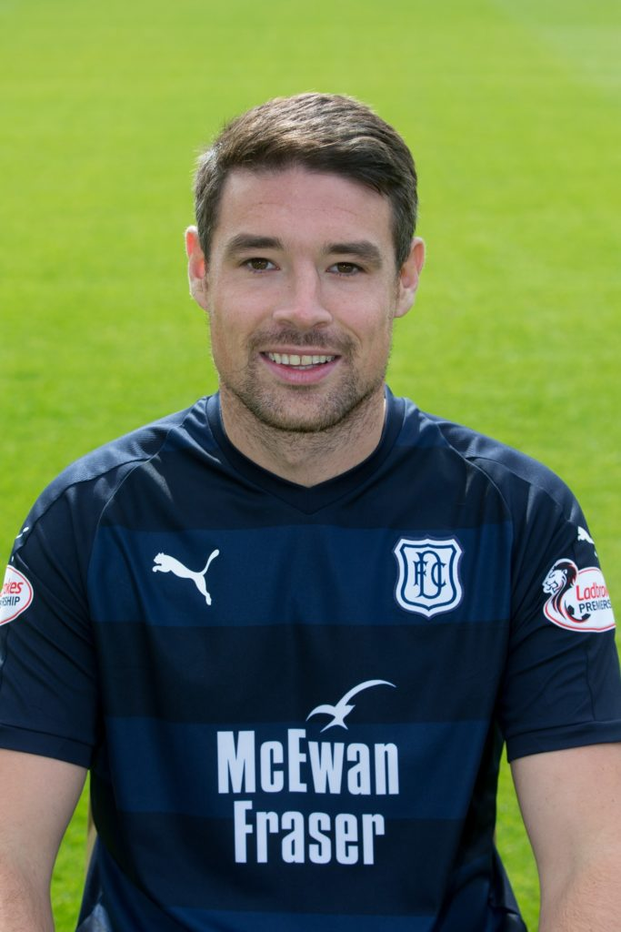 Retiring Dundee defender Darren O'Dea was left with a red face when his final match ended after just 19 minutes as he was sent off against St Mirren.
