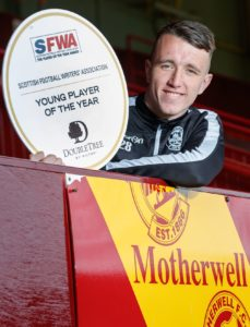 Reported Cardiff target David Turnbull has received a glowing report from his Motherwell team-mate Carl McHugh.