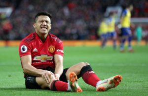 Alexis Sanchez will return to Manchester United early to prove his fitness for a potential move away, according to reports.