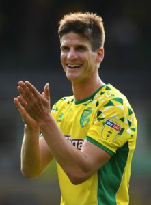 Defender Timm Klose has penned a new three-year contract at Norwich.