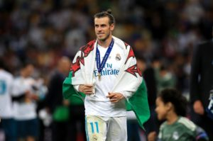 Former Real Madrid president Ramon Calderon has branded Gareth Bale's contract situation a 'soap opera'.