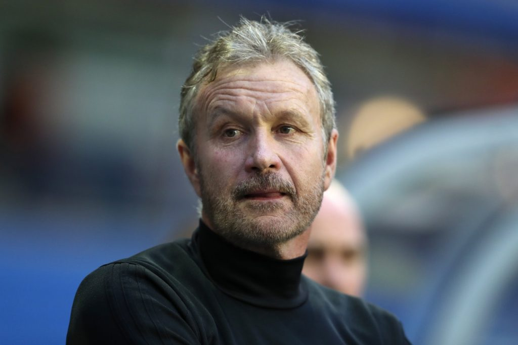 Kevin Bond has signed a two-year contract to become Southend manager on a permanent basis, the Sky Bet League One club have announced.