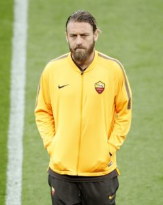 Daniele De Rossi will call time on his 18-year career with Roma at the end of the Serie A season.