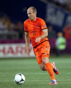 Arjen Robben could be on his way back to former club PSV Eindhoven, according to reports in the Dutch media.