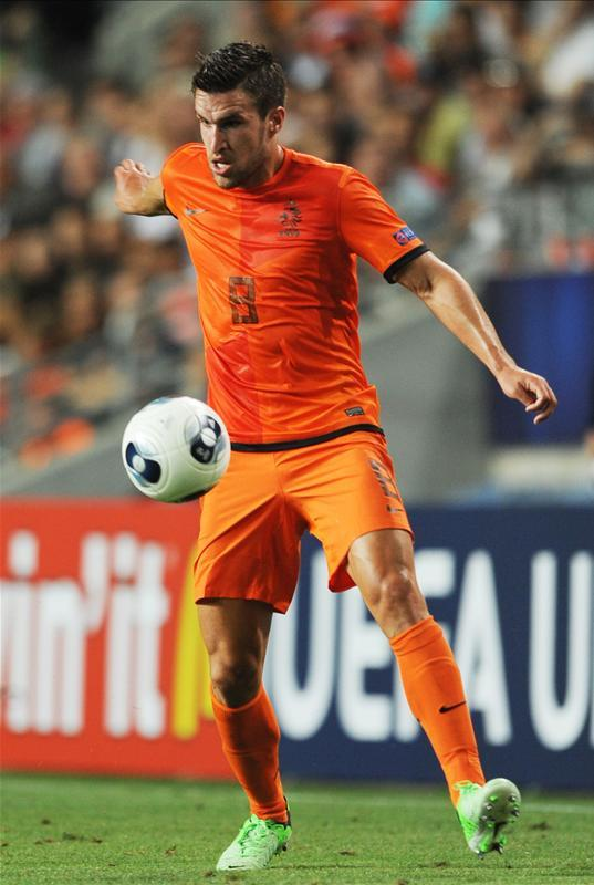 Marseille could have a battle on their hands to keep midfielder Kevin Strootman as he's a reported target for Manchester United.