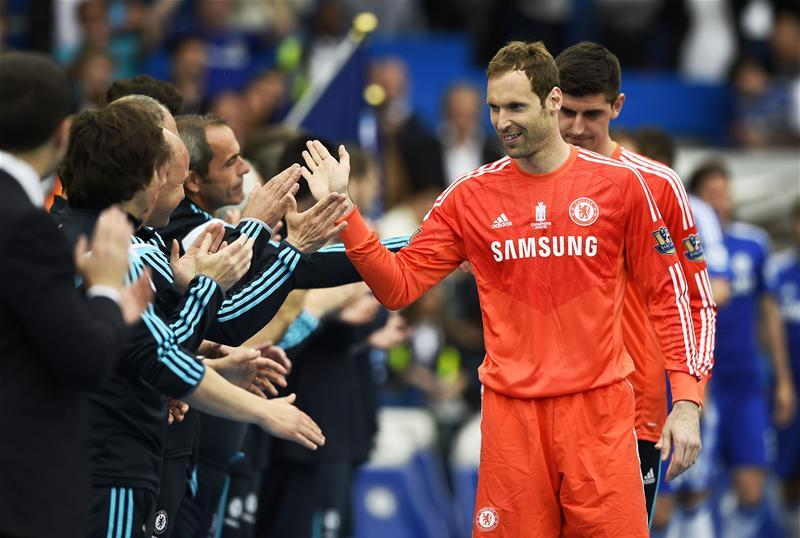 Petr Cech has cooled talk of a return to Chelsea and says his sole focus is trying to help Arsenal win the Europa League at the expense of his former club.