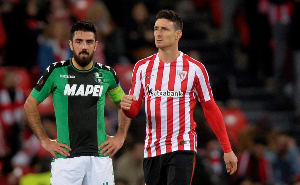 Veteran striker Aritz Aduriz has signed a new 12-month contract extension with La Liga outfit Athletic Bilbao.