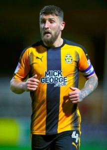 Midfielder Gary Deegan has signed a new one-year contract with Cambridge, the club have confirmed.