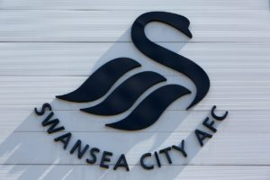 Swansea goalkeeper Steven Benda has signed a new deal with the club.