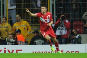 Newly-promoted Lecce are reportedly close to agreeing a deal to sign Besiktas striker Burak Yilmaz.