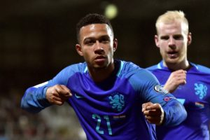 Reports in France suggest Everton are readying a bid for Lyon's Netherlands international forward Memphis Depay this summer.