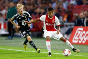 Everton forward Richarlison has revealed he has spoken to Ajax's David Neres about a possible move to Goodison Park this summer.