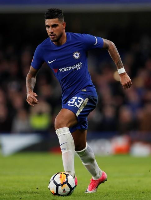 Chelsea defender Emerson Palmieri says he does not want to follow Maurizio Sarri to Juventus.