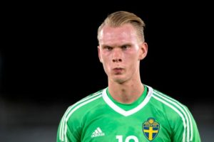 Pontus Dahlberg says competition for the goalkeeping spot at Watford will always be strong - whether Robin Olsen joins or not.