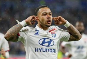 Everton are reportedly looking into the possibility of signing Lyon forward Memphis Depay this summer.