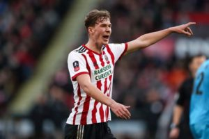 Sheffield United will reportedly try and re-sign attacking midfielder Kieran Dowell from Everton following his loan spell.