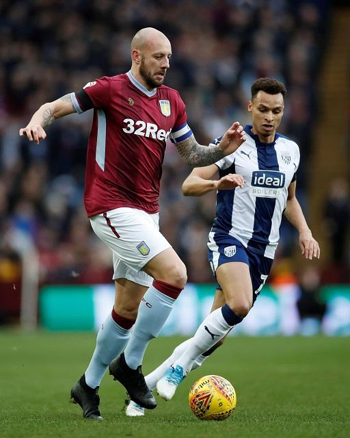 Aston Villa full-back Alan Hutton is reportedly closing in on a move to Championship outfit Wigan Athletic.