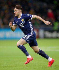 Reading striker Marc McNulty has joined Sunderland on a season-long loan deal.