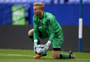 Charlton have signed goalkeeper Ben Amos on a one-year deal.