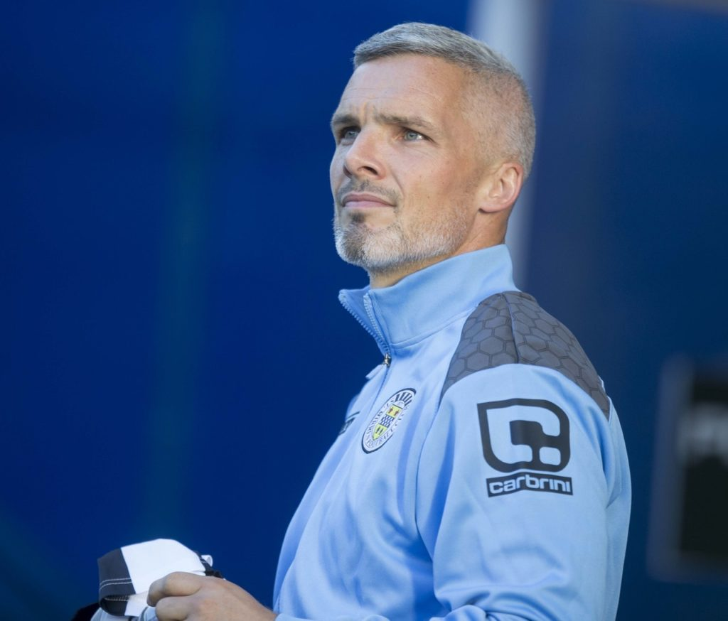 Dunfermline wrecked Jim Goodwin's homecoming as St Mirren crashed to a 3-2 defeat on their new boss' Paisley return.