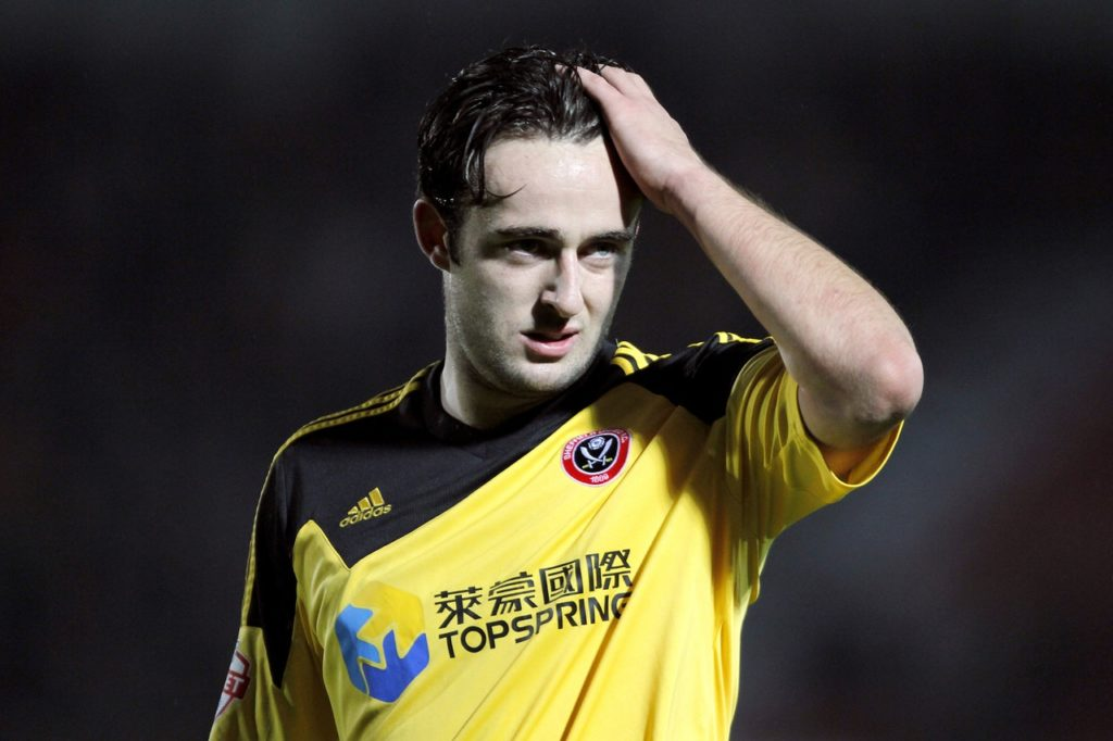 Plymouth have signed former Everton midfielder Jose Baxter on a short-term deal.