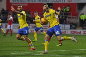 Burnley are reportedly showing interest in Leeds United midfielder Mateusz Klich and striker Kemar Roofe.