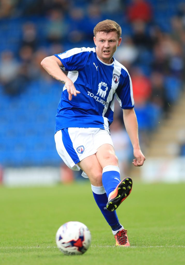 Mansfield have signed former Portsmouth midfielder Dion Donohue on a two-year contract, the Stags have announced.