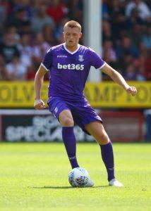 Centre-back Harry Souttar has rejoined SkyBet League One Fleetwood on a season-long loan deal from Stoke.