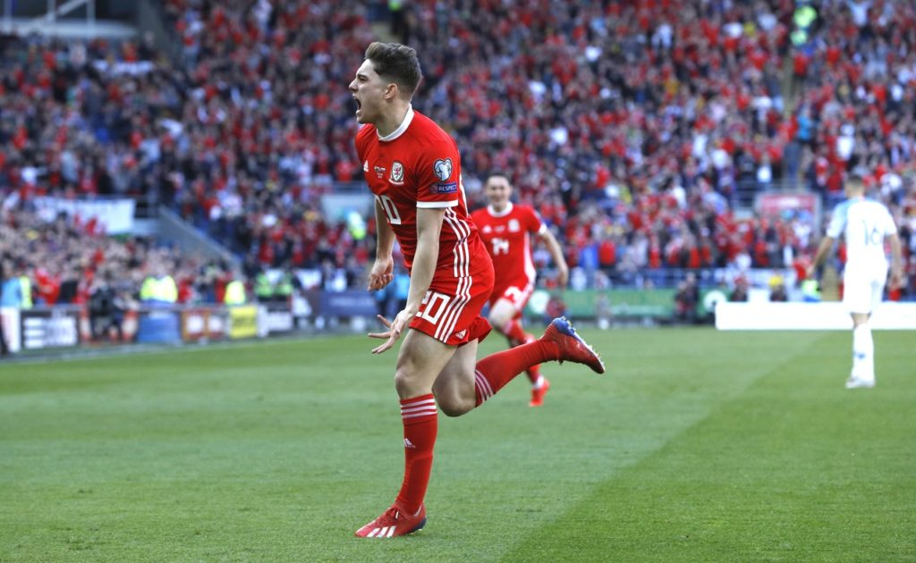 Daniel James stole the show on his debut as goals from Marcus Rashford and James Garner got United off to a winning start in Perth.