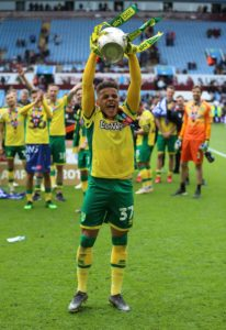 Norwich right-back Max Aarons has signed a new five-year contract that will keep him at Carrow Road until 2024.