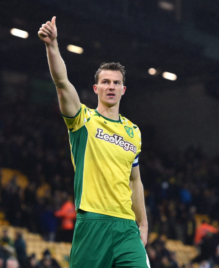 Defender Christoph Zimmermann has signed a new contract with Norwich, the Premier League club have announced.