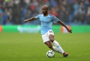 Everton have completed the signing of England international Fabian Delph from Manchester City on a three-year deal.