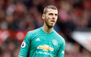 Ander Herrera moved from Manchester United to Paris Saint-Germain last week but he does not expect David de Gea to follow suit.